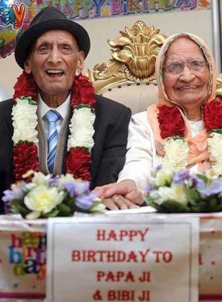 مراسم تولد پیرترین زوج خوشبخت جهان (عکس)