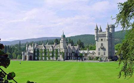 """قلعه """"بالمورال"""" در بریتانیا,بهترین قلعه های دنیا,ترسناک ترین قلعه های دنیا"""