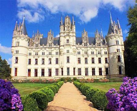 """قلعه """"شالن"""" در فرانسه,زیباترین قلعه های دنیا,ترسناک ترین قلعه های دنیا"""